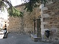 123 Font al racó de la Pau, darrere l'absis de Sant Isidor (la Pera).jpg