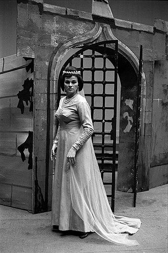 Viorica Cortez - Image: 15.11.1967. Viorica Cortez. Tony Poncet. La favorite. (1967) 53Fi 2518