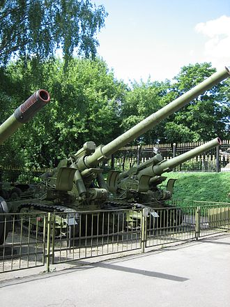 152 mm gun M1935 (Br-2) - Br-2 in the Central Museum of Armed Forces, Moscow.