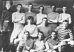 Где появился футбол википедия