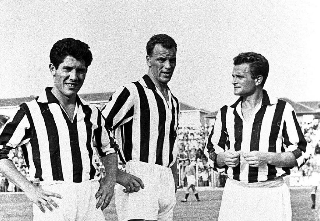 1024px-1957%E2%80%9358_Juventus_FC_-_S%C