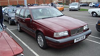 1996 Volvo 850 2.5 SE Estate (16830848153).jpg
