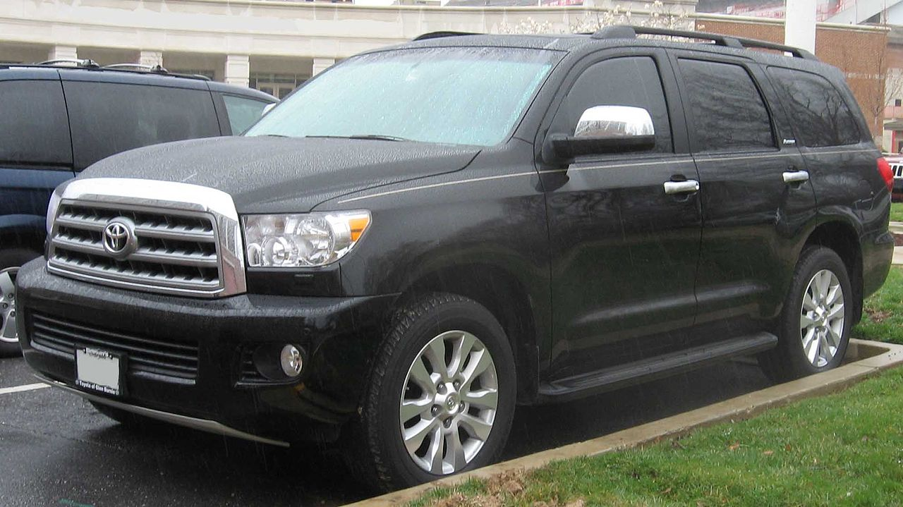 File 2008 Toyota Sequoia Platinum Jpg Wikimedia Commons
