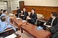 2010年6月3日、長野県飯田市で商談を行う模様.jpg