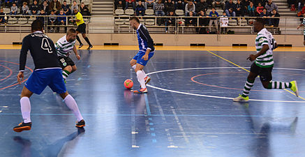 2015-02-28 16-19-12 futsal.jpg