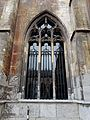 2016-Maastricht, St-Servaasbasiliek, Pandhof, westelijke kloostergang, raam 1.jpg