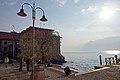 2017-04-10 04-14 Gardasee 097 Malcesine (33993587150).jpg