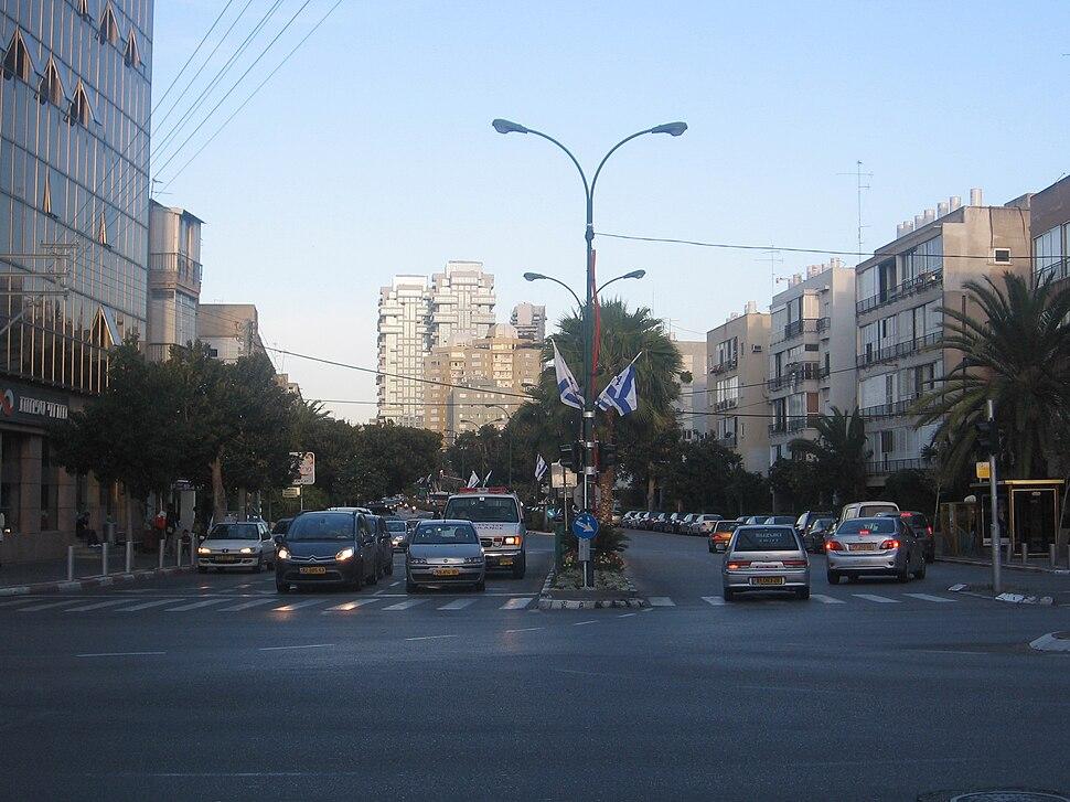 31.03.09 Tel Aviv 108 Pinkas