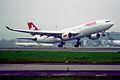 382bl - Swiss Airbus A330-223, HB-IQO@ZRH,15.10.2005 - Flickr - Aero Icarus.jpg