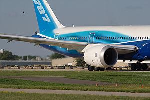 Turbofan - Rolls-Royce Trent 1000 turbofan powering a Boeing 787 Dreamliner testflight
