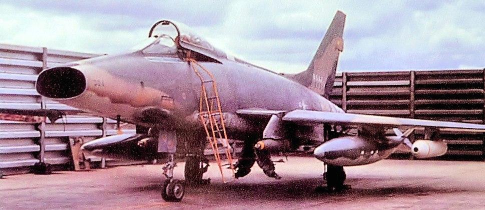 90th TFS North American F-100D-90-NA Super Sabre 56-3304 1967