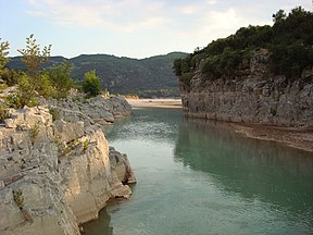 Acheloos river narrows 03.jpg