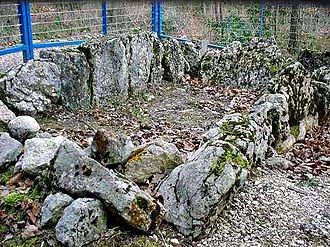 Aesch, Basel-Landschaft - A dolmen grave at Gmeiniwald