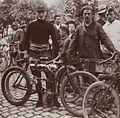 Alessandro Anzani (sur Alcyon au Circuit des Ardennes 1904).jpg