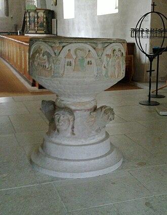 Alskog Church - Image: Alskogs kyrka Gotland dopfunt 1