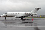 Amira Air, OE-HPG, Bombardier Challenger 300 (18926141052).jpg