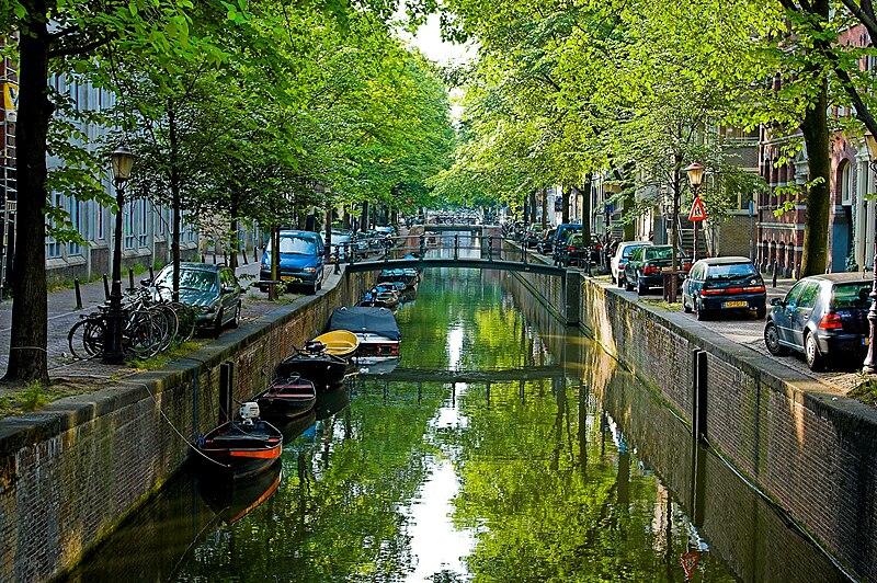 Власти Амстердама решили сделать центр города более комфортабельным для проживания до 2025 года