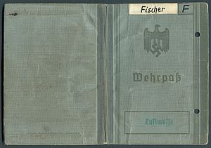Amtsdokument Paul Fischer 1937 Leutnant Wehrpass Luftwaffe Seite 01 56 Umschlagsseiten.jpg