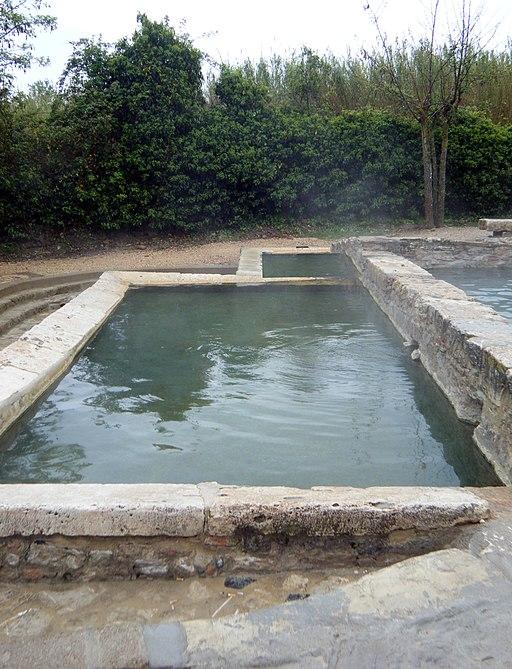 Bagno Grande, i vasconi, ancient Roman baths and hot springs, San Casciano dei Bagni
