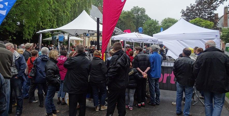 Arras - Tour de France, étape 6, 10 juillet 2014, départ (02).JPG