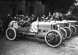Arthur Duray at the 1914 French Grand Prix (2).jpg