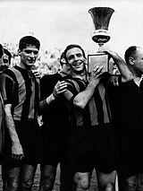 Atalanta players lifting the 1962–63 Coppa Italia