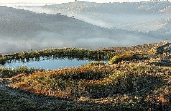 Autunno sulle Crete senesi Toscana.jpg