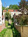 Auvers-sur-Oise (95), Chaponval, sente entre la rue de Pontoise et la rue des Ruelles.jpg