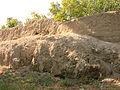 Bərdə türbəsi ətrafında Torpaq qala.JPG