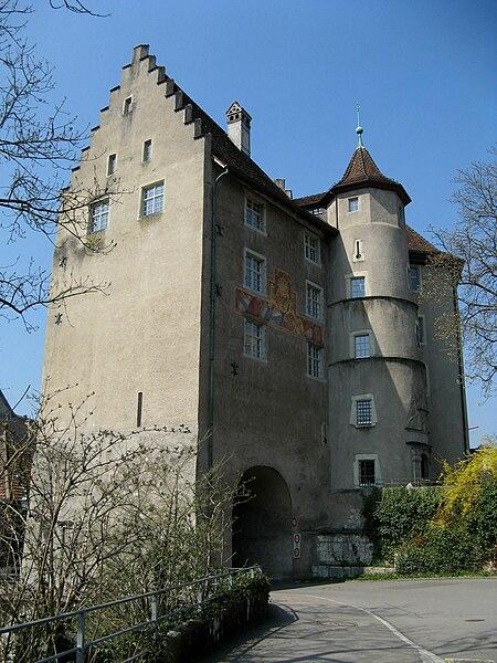 http://upload.wikimedia.org/wikipedia/commons/thumb/7/70/Baden_Landvogteischloss_neu.jpg/450px-Baden_Landvogteischloss_neu.jpg