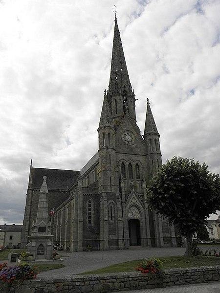 Église Saint-Jean-Baptiste à Bains-sur-Oust (Ille-et-Vilaine, Bretagne, France).
