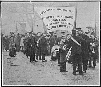 Mud March (suffragists) - The band and lead banner