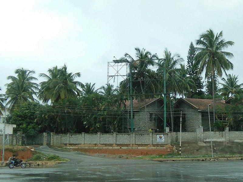 File:Bangalore billboard hoarding tree IMG20180910112841.jpg