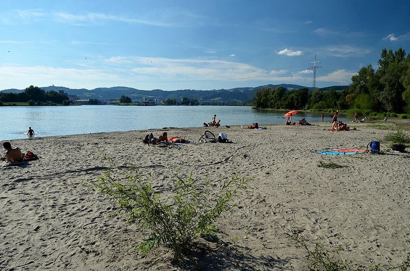 A bathing place at the left bank of the river Danube in Linz vis-à-vis to the VOEST area.