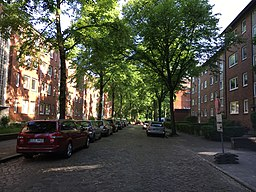 Beim Gesundbrunnen in Hamburg