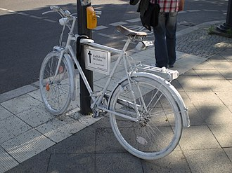 Roadside memorial - A ghost bike in Berlin.