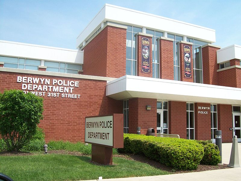 File:Berwyn Police department.jpg
