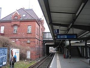 Berlin Heidelberger Platz station - S-Bahn platform