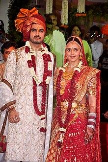 Esha Deol Wearing Ca Chooda At Her Wedding