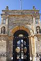 Blenheim Palace Gateway 2 (5598051615).jpg