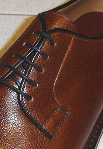 Blucher shoe - Open lacing with vamp in one piece – the hallmark of a blucher shoe
