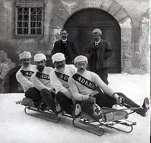 Sledding - The Swiss bobsleigh team from Davos, ca. 1910