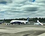 Boeing 787-10 test aircraft (35598123175).jpg