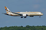 Boeing 787-9 'A6-BLA' Etihad (18097790513).jpg