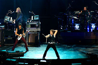 Bon Jovi - Bon Jovi in Montreal in 2007 during the Lost Highway Tour.
