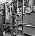 Botsing tussen trams op de Middenweg, motorwagen van lijn 9 in het achterbalkon , Bestanddeelnr 911-4165.jpg