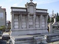 Bourg-la-Reine (sépulture Hennebique).JPG
