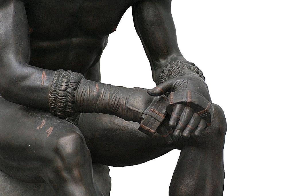 1024px-Boxer_of_quirinal_hands.jpg