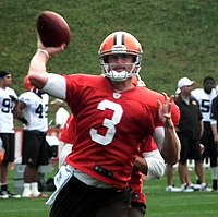 Brandon Weeden throwing motion.jpg