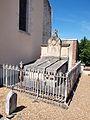 Breteau-FR-45-cimetière-sépulture Chasseval-Cosnac-02.jpg
